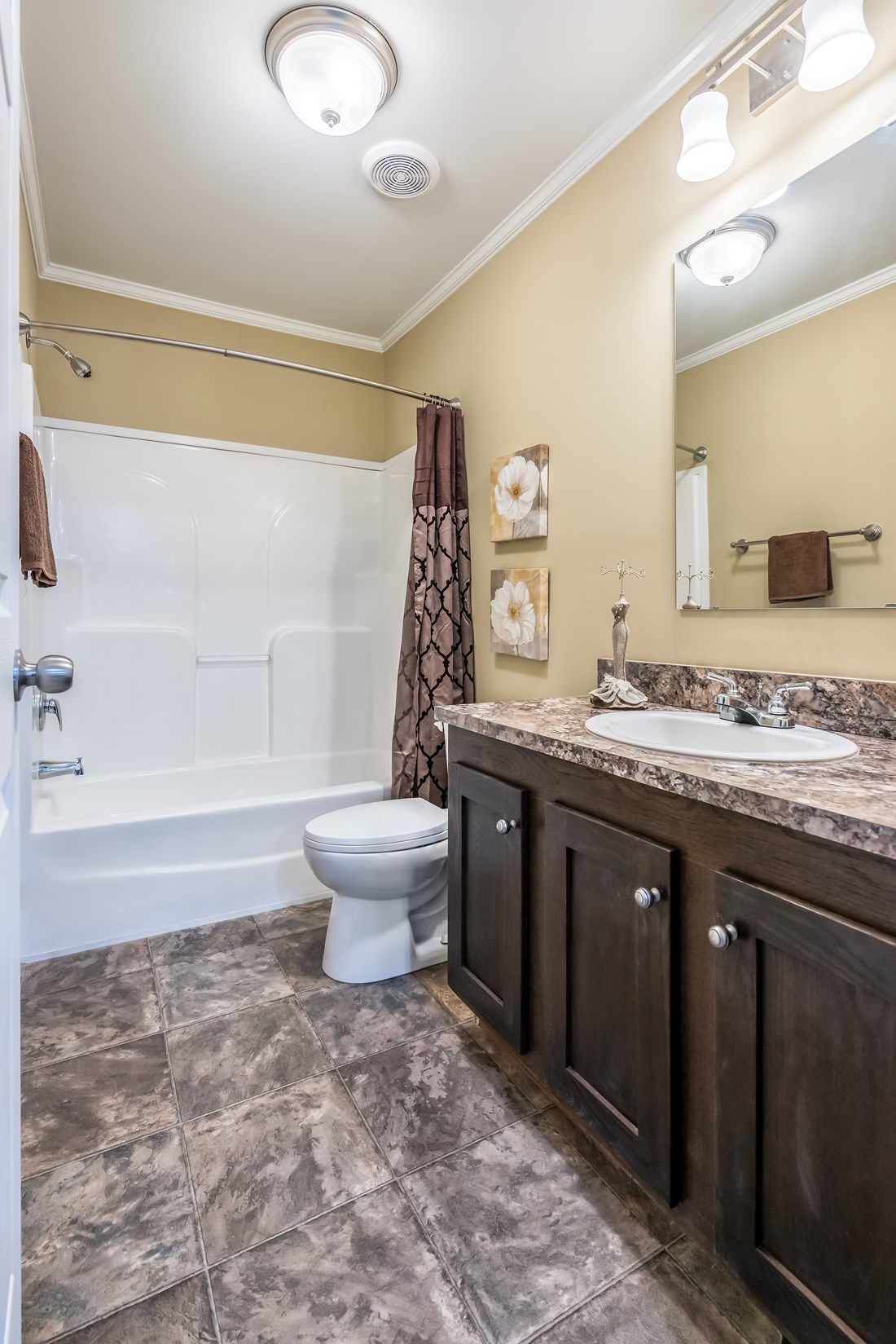The 1779 LEGACY Guest Bathroom. This Manufactured Mobile Home features 3 bedrooms and 2 baths.